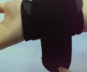 黑色加壓纏繞護腕